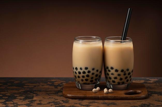 おいしい伝統的なタイ茶の詰め合わせ