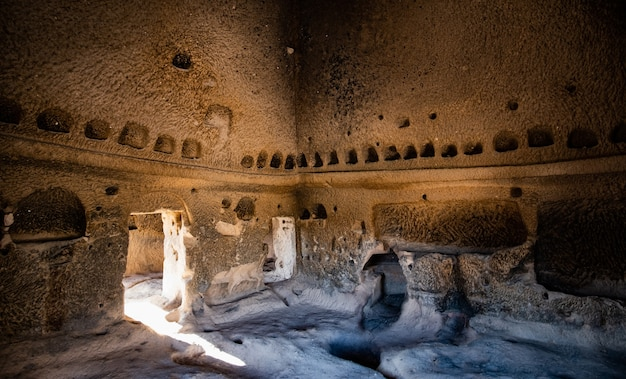 카파도키아 터키의 놀라운 암석 절단 셀리메 수도원