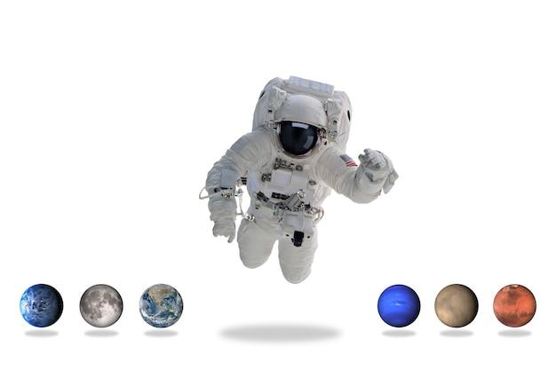 Астронавт в космическом пространстве с планетами