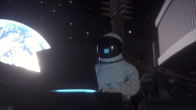 宇宙飛行士は、月の宇宙移民で彼の科学ラップトップに取り組んでいます。 3dレンダリング