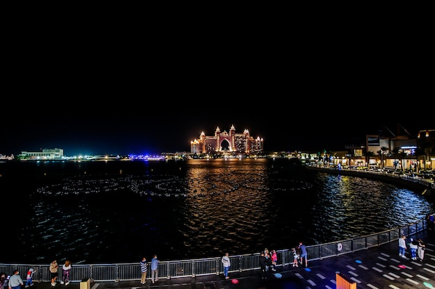 아틀란티스, 더 팜, 두바이 두바이의 팜 주메이라 섬에 있는 수백만 달러 규모의 아틀란티스 리조트, 호텔 및 테마 파크, the pointe dubai의 전망.