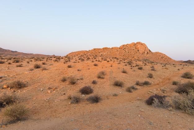 日没、aus、ナミビア、アフリカのナミブ砂漠