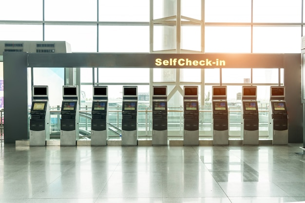 Automatic pick up machine at airport departure lounge