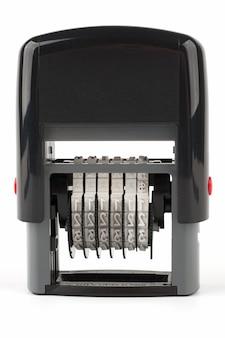 Автоматический числитель печати с красной кнопкой на белом фоне
