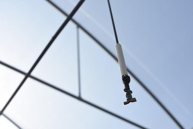 닫힌 온실의 자동 스프링클러 노즐