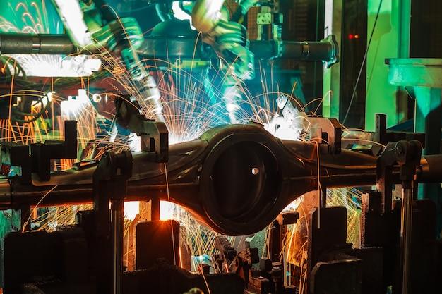 Автоматизация роботизированного манипулятора на умном заводе автомобильной промышленности