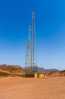 Автономная мобильная ретрансляторная станция в египетской пустыне