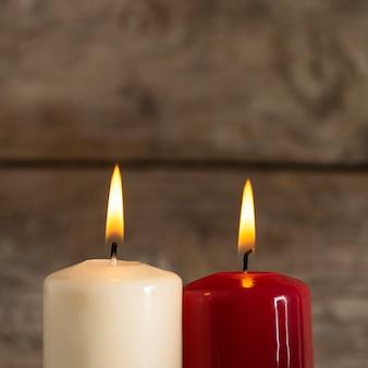 나무 보드에가 촛불