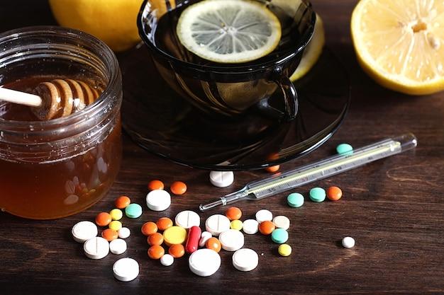 Осенняя простуда и лекарства, помогающие ее преодолеть