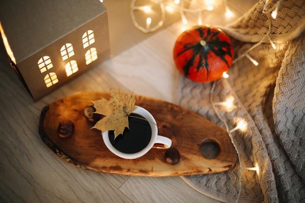 Осенняя композиция день благодарения концепция осенняя осень фон плоский вид сверху