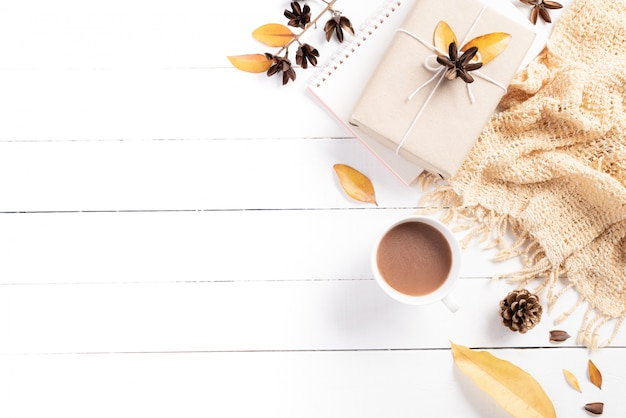 Autumn composition on white wooden background. flat lay, top view copy space.