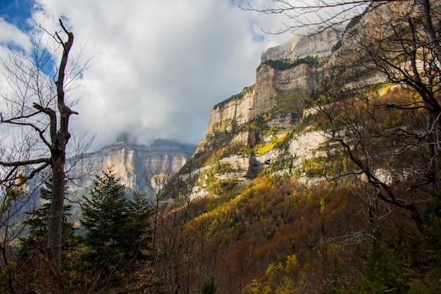 Осень в ордесе и монте-пердидо, испания