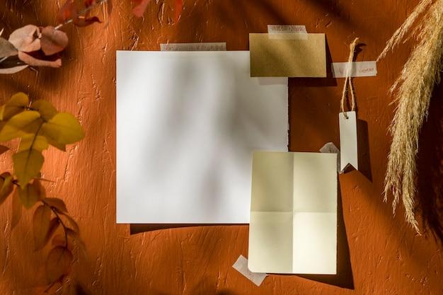 コピースペースと秋のムードボードのコンセプト
