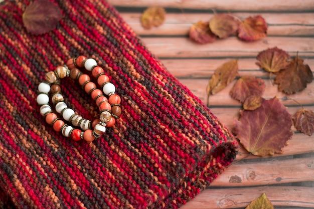 秋のスカーフとブレスレットのセット
