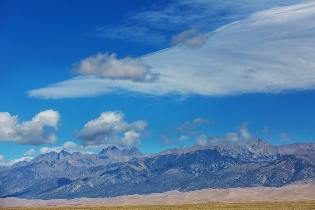 米国コロラド州グレートサンドデューンズ国立公園の秋のシーズン