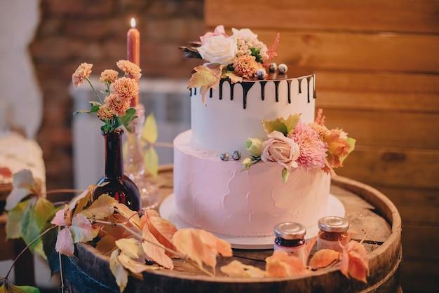 Осенняя свадьба сладкий бар, крупным планом