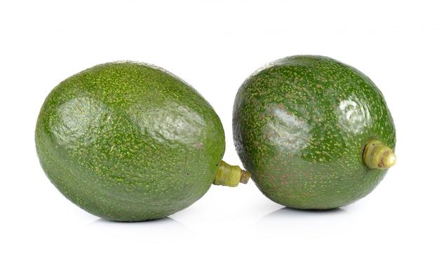 Авокадо на белом фоне