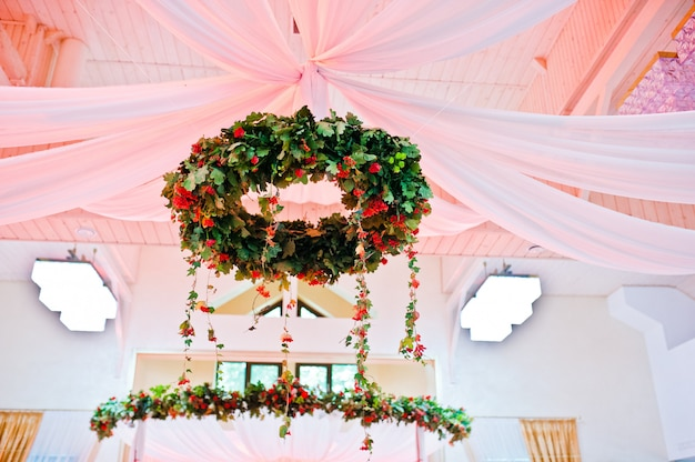 Awesome wedding decot wreath on restaurant