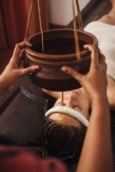 インドのアーユルヴェーダシロダーラ治療