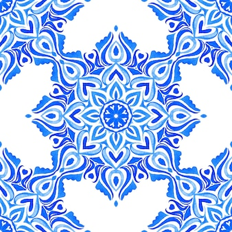 アズレージョ青と白の手描きタイルシームレス装飾水彩絵の具パターン。