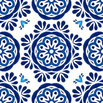 アズレージョのスペインのタイル。ゴージャスなシームレスブルーフローラル水彩パターンオリエンタルタイル生地デザイン。トルコの装飾品