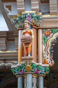 인도 뭄바이에 있는 babu amichand panalal adishwarji 자이나교 사원