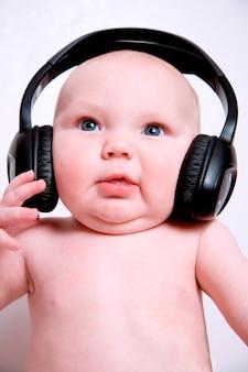 ヘッドフォン、クローズアップ、赤ちゃん(8-10月)