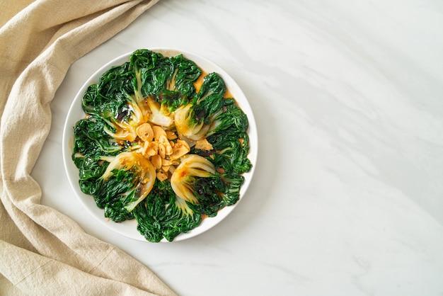 Китайская капуста с устричным соусом и чесноком - азиатская кухня