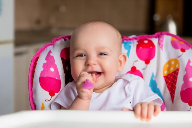 Baby and eats independently