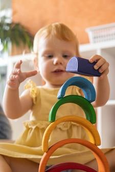드레스 스태킹 무지개 아치 블록 건설 건물 생태 나무 장난감 타워에 아기 소녀
