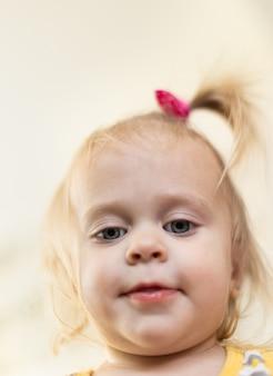 赤ちゃんの肖像画、生後20か月