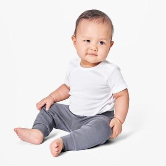 아기의 의류