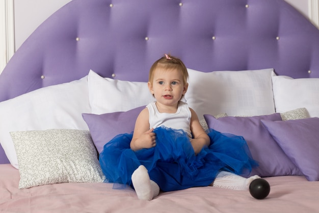 Baby sitting bed
