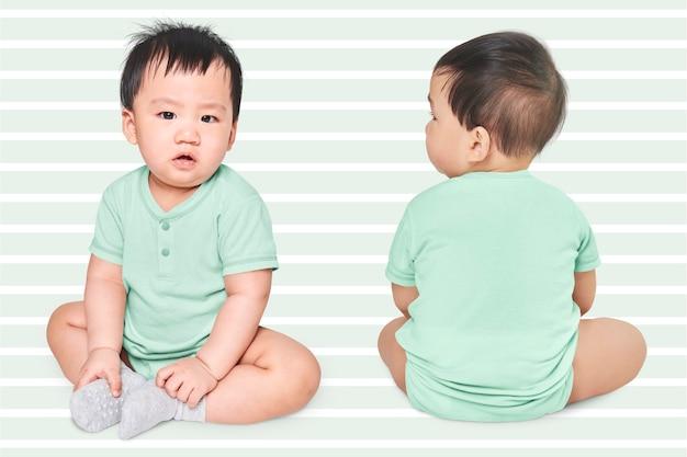 服を着た赤ちゃんの撮影