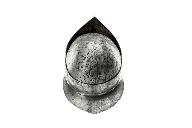 孤立した古代の鉄の質素なヘルメットの上面図から戻る