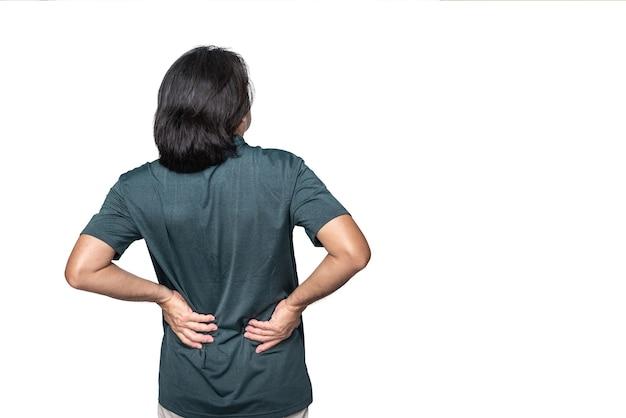 Спина азиатского человека страдает от боли в пояснице на белом изолированном фоне t