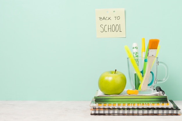 Back to school post-it with school supplies