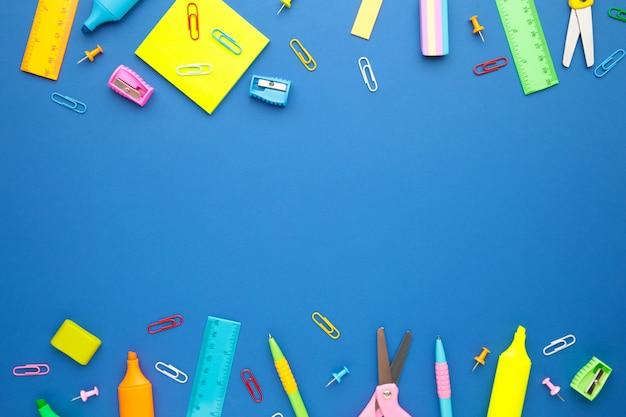 Назад к концепции школы на голубой стене. вид сверху
