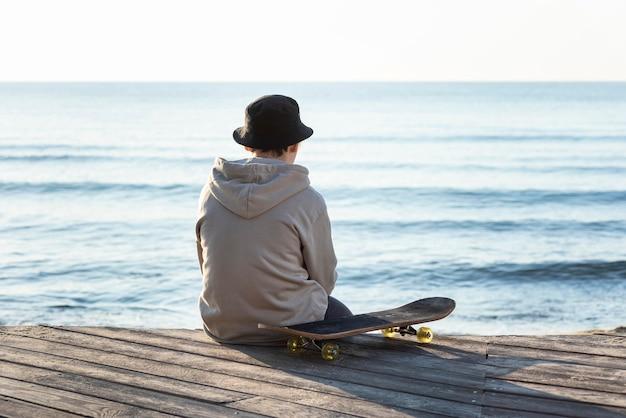 스케이트 보드와 다시보기 10 대 소년