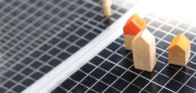 태양 전지 패널의 배경 및 배너입니다. 깨끗하고 녹색의 대체 에너지.