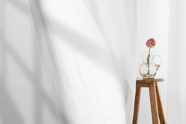 Background of flower vase with shadow
