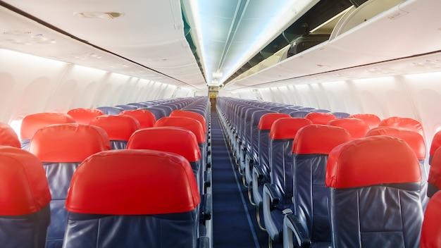 Фон самолета ряд пустых мест на борту