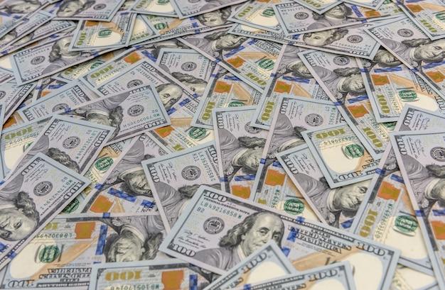 多くのアメリカの100ドル紙幣の背景