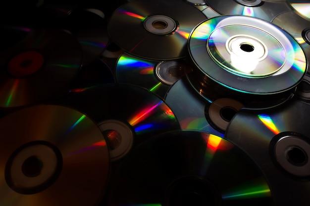 빛나는 컴팩트 디스크의 배경