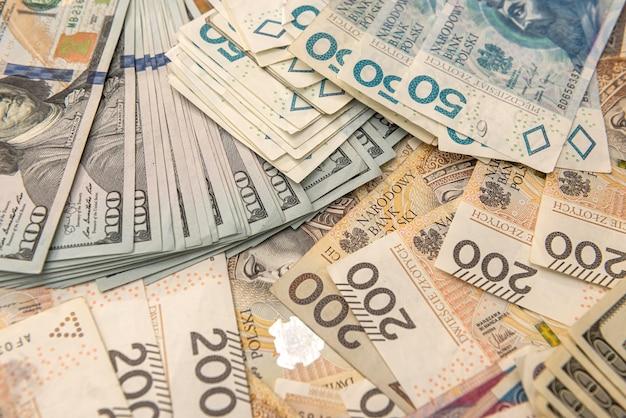 Usd 및 pln 지폐의 배경입니다. 비즈니스 개념