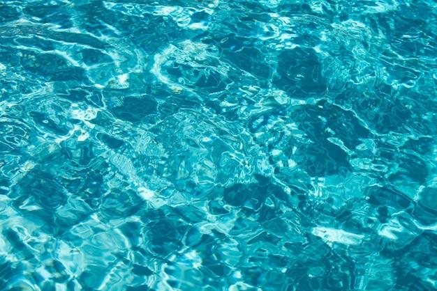 水の背景、表面の青いプール。