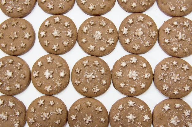 白のチョコレートチップクッキーと背景