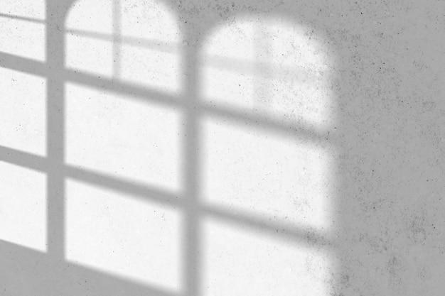 곡선 된 창 그림자와 배경