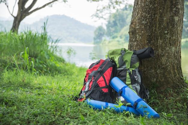Рюкзак и туристическое снаряжение