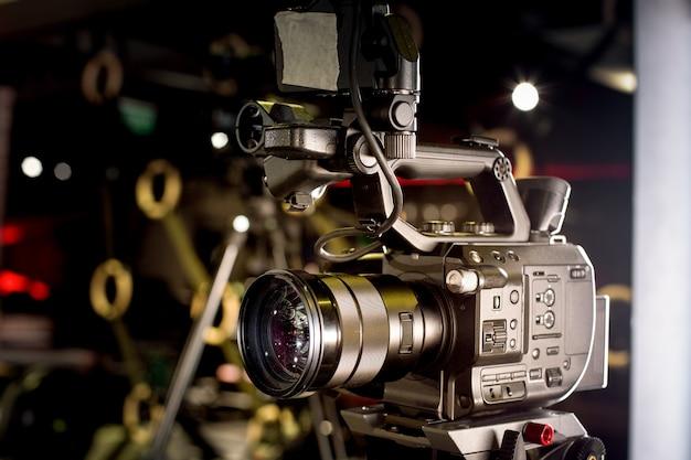 비디오 제작 전문 비디오 카메라의 무대 뒤
